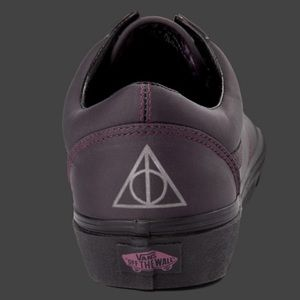 NWT 11.5 Vans Harry Potter Deathly Hallows Shoes